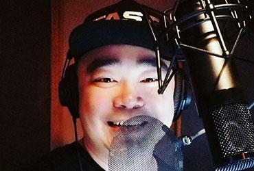 emcee-joshua-voice-over-in-studio